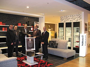 h lsta erkl rt segm ller zum dealer of the year. Black Bedroom Furniture Sets. Home Design Ideas