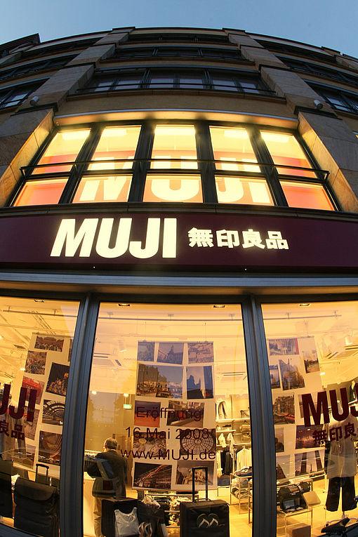 muji kommt nach k ln. Black Bedroom Furniture Sets. Home Design Ideas