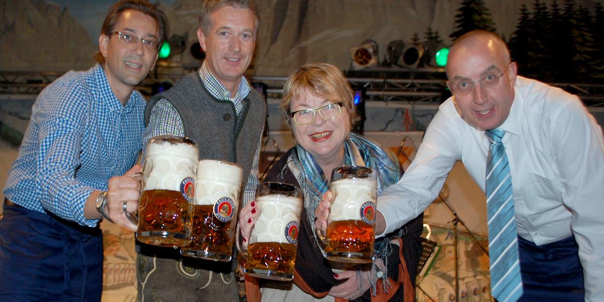 Möbel Kraft Ozapft Is Fürs Oktoberfest In Bad Segeberg