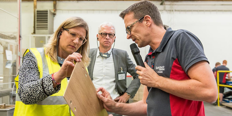 Schmidt Kuchen Produktion Beeindruckt Die Wirtschaftsministerin