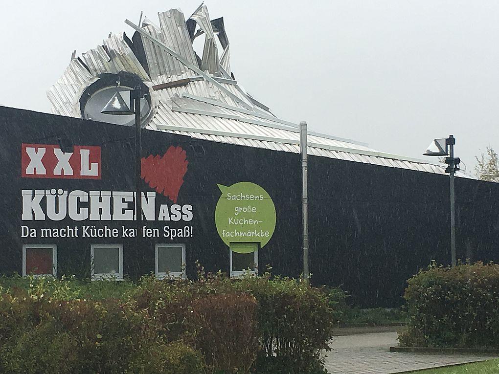 Mobel Starke Xxl Kuchen Ass Wiedereroffnung In Gorlitz Nach Schweren Sturmschaden Moebelkultur De